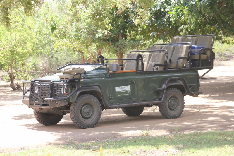 simbavati-river-lodge_game-drive-vehicle