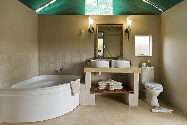 simbavati-tent-bath
