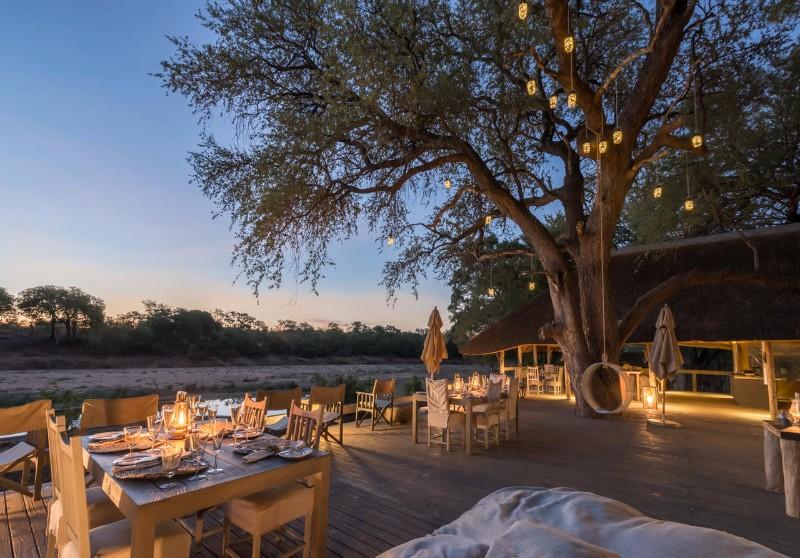 simbavati_river_lodge_deck