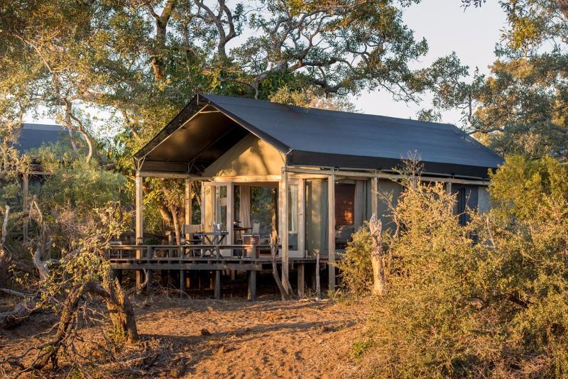 simbavati_river_lodge_luxury-tent