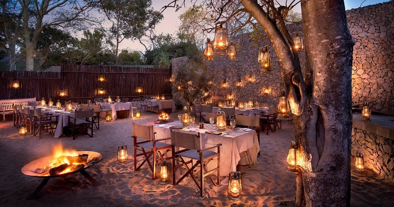 luxury-dinner-ngala-safari-lodge
