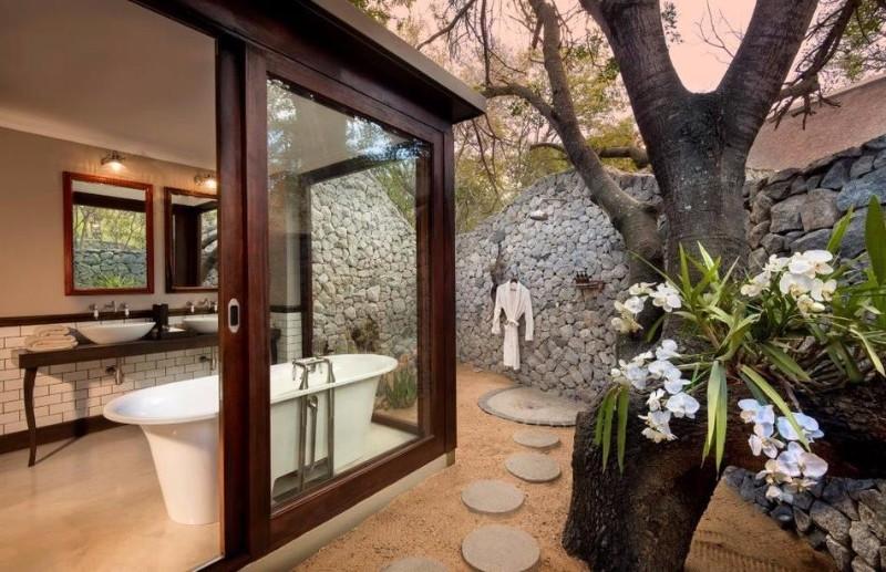 ngala-safari-lodge-bathroom-1-1.jpg.950x0