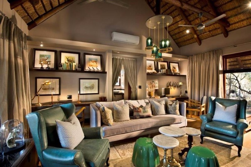 ngala-safari-lodge-guest-library.jpg.950x0