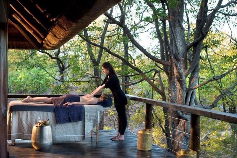 ngala-safari-lodge-massage-treatment.jpg.950x0