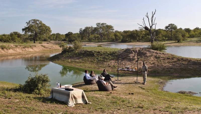 ngala-safari-lodge-private-safari