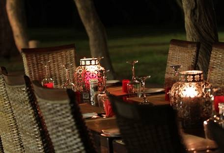 sunsafaris-10-Senalala-Luxury-Safari-Camp