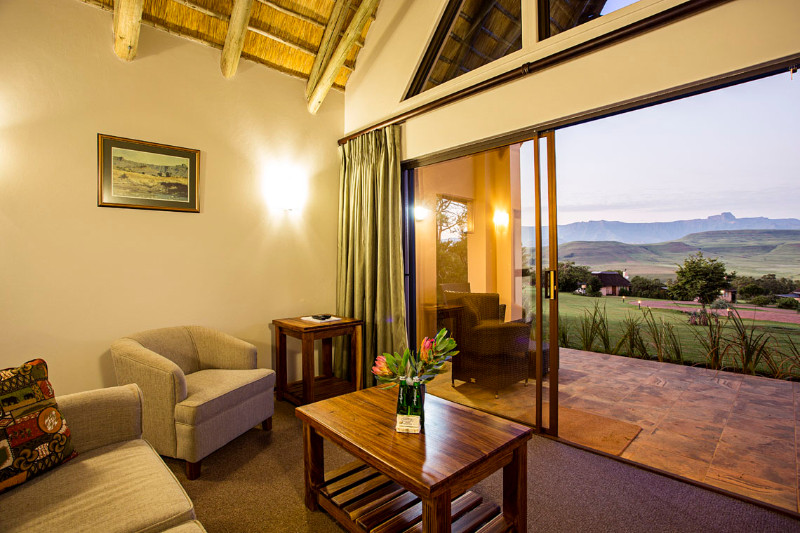 Mtn-suite-lounge-and-verandah