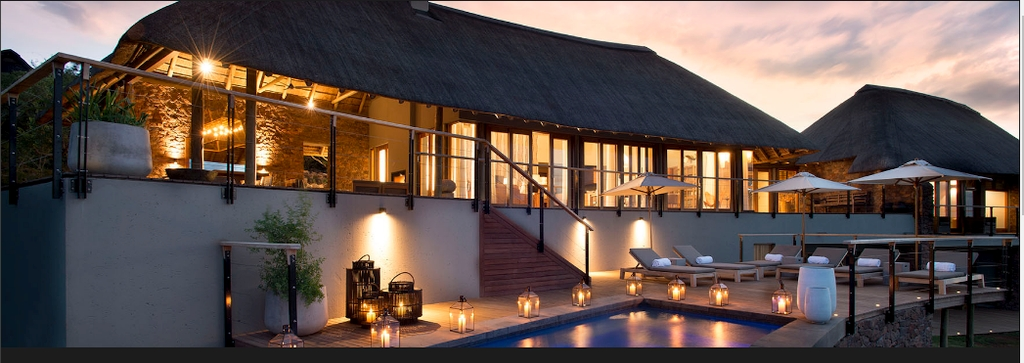 Mhondoro Game Lodge - Luxury Villa for exclusive use in Welgevondend Game Reserve
