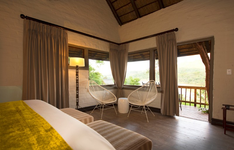 entabeni-lakeside-accommodation-lodge-room