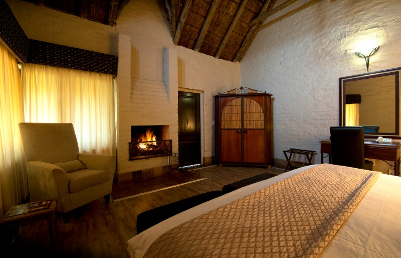 entabeni-lakeside-accommodation-room-interior