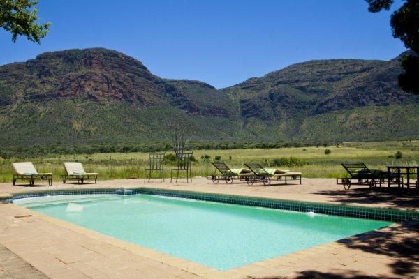 Hanglip-Mountain-Lodge-Pool