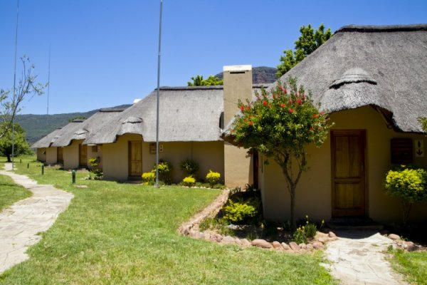 Hanglip-Mountain-Lodge-Rooms-Exterior