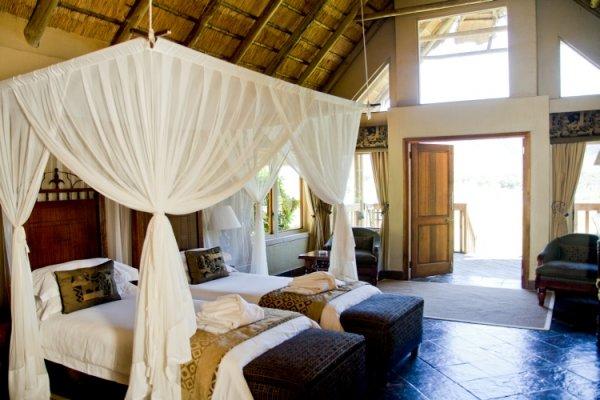 Hanglip-Mountain-Lodge-Twin-Bedroom
