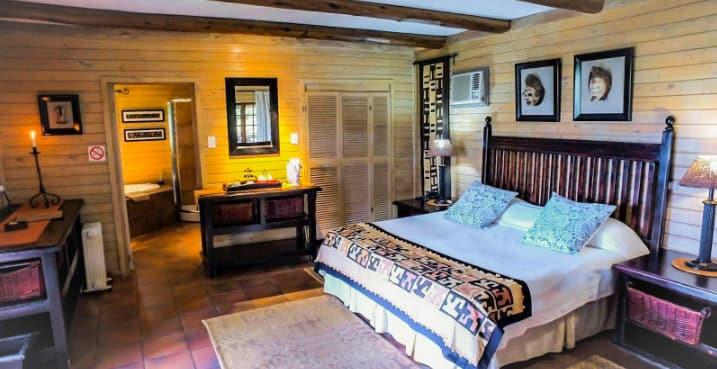 Bohm_s_Zeederberg_Country_House-Sabie_Mpumalanga-bedroom1