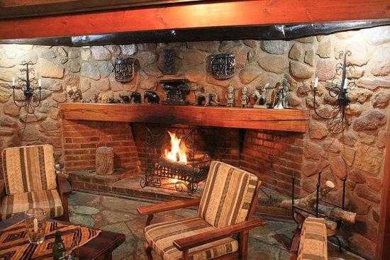 bohms-cottage-fireplace