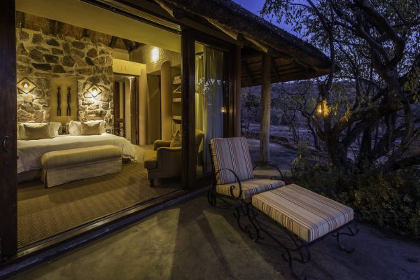 Rare+Earth_Ekuthuleni_Suite with deck at night