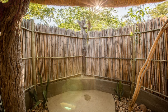 accommodation-eco-hut-shower-Umlani-Bushcamp-Timbavati-Private-Nature-Reserve-Kruger-National-Park