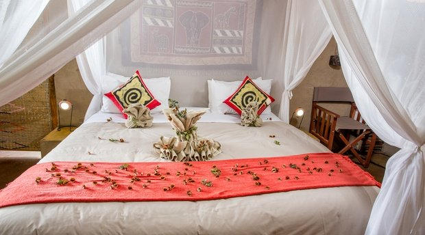 accommodation-family-hut-Umlani-Bushcamp-Timbavati-Private-Nature-Reserve-Kruger-National-Park