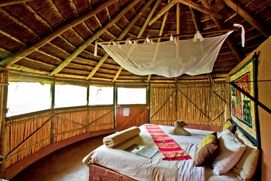 accommodation-reed-hut-Umlani-Bushcamp-Timbavati-Private-Nature-Reserve-Kruger-National-Park