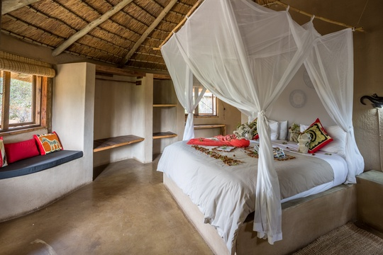 accommodation-umlani-eco-hut-Umlani-Bushcamp-Timbavati-Private-Nature-Reserve-Kruger-National-Park