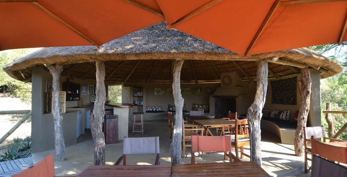 bar-2-Umlani-Bushcamp-Timbavati-Private-Nature-Reserve-Kruger-National-Park