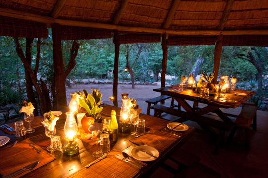 boma-dinner-Umlani-Bushcamp-Timbavati-Private-Nature-Reserve-Kruger-National-Park