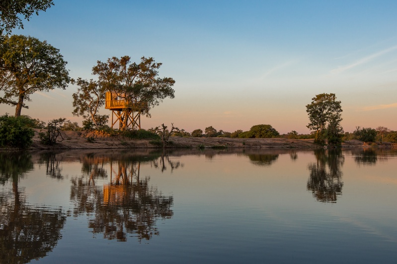 tree-house-view-Umlani-Bushcamp-Timbavati-Private-Nature-Reserve-Kruger-National-Park