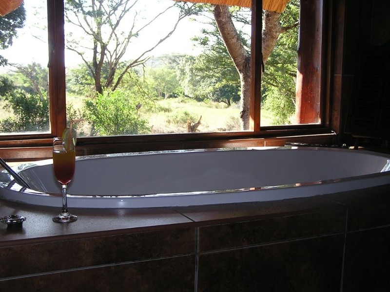 accom-thula-thula-bath2
