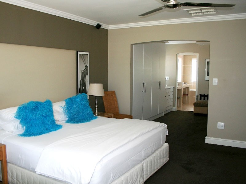 Pictures-Guest-House-Deluxe-Room-2-IMG-6