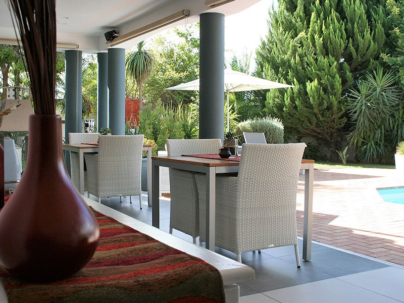 Pictures-Guest-House-patio