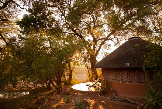 accommodation family hut exterior- Umlani Bushcamp - Timbavati Private Nature Reserve - Kruger National Park