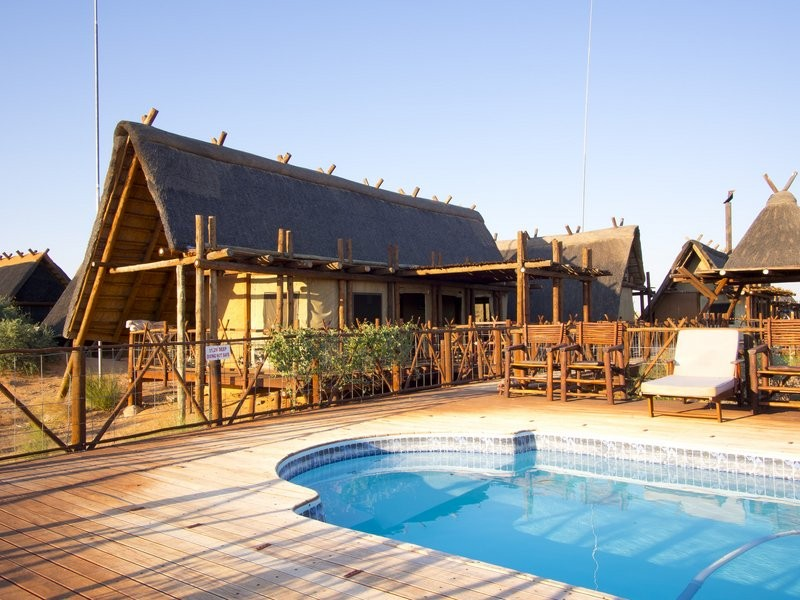 xaus-lodge-pool-deck-view-to-lodge