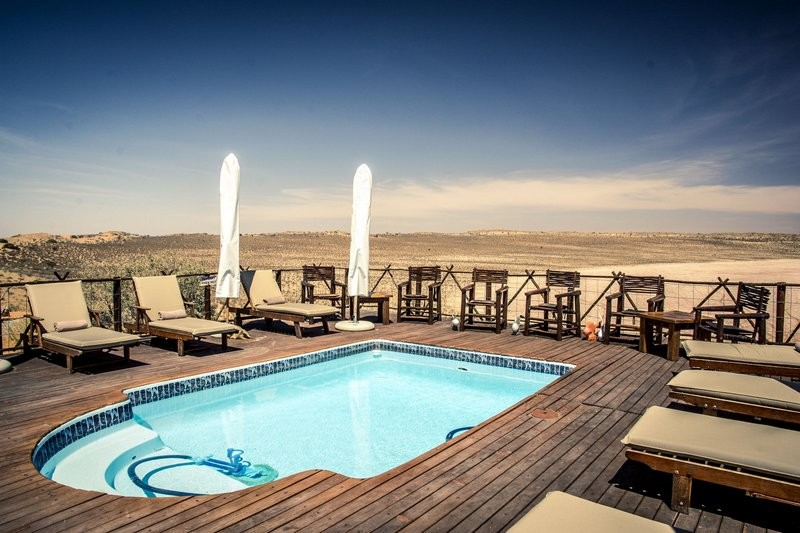 xaus-lodge-pool-deck-view