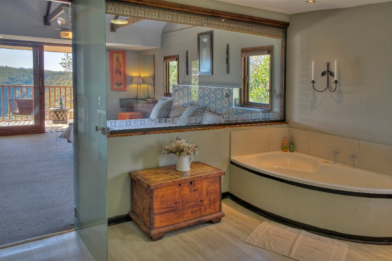 Hog-Hollow-suite-bathroom-1