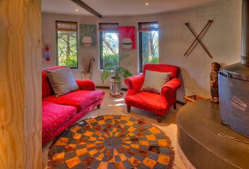 Hog-Hollow-suite-lounge-area-1