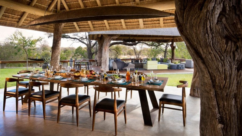 RockFig-Safari-Lodge_Dining-Area_Lunch