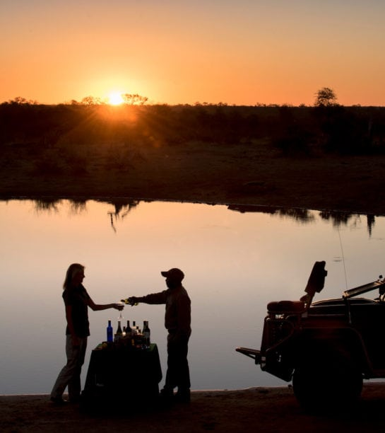 RockFig-Safari-Lodge_Sundowners-in-the-bush