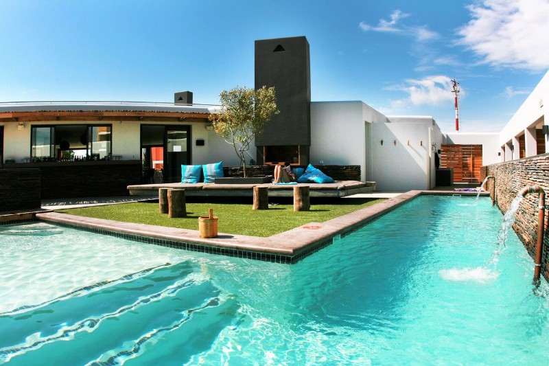 Pool_CourtYard.4_preview-1