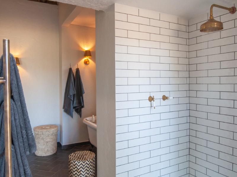 Bathroom-Interior-1