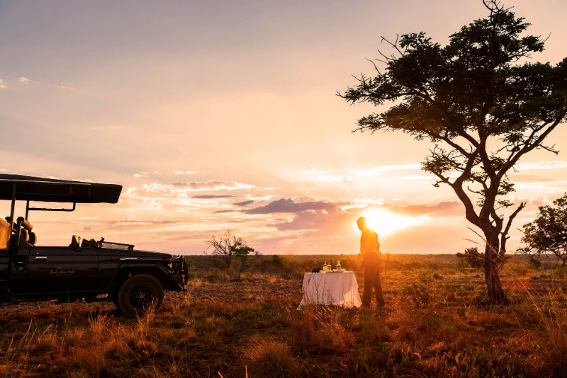 33-Jamila-Lodge-Afternoon-Game-Drive-Sundowners