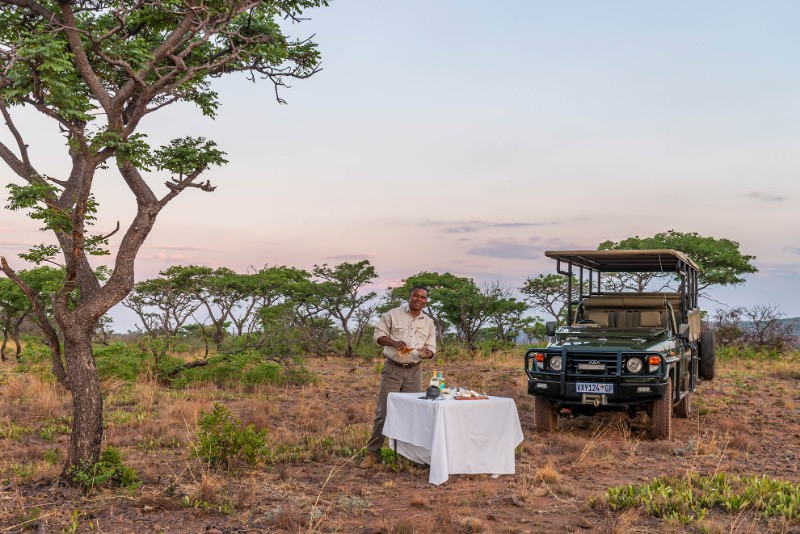 Jamila-Lodge-Game-Drive-Refreshments