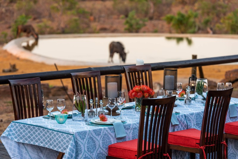 Jamila-Lodge-Poolside-dining