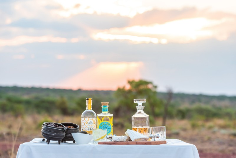 Jamila-Lodge-Sunset-Game-Drive-Snacks-and-Drinks