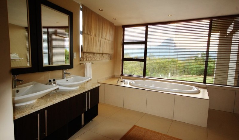 legend-mountain-view-villa-Ensuite_Bathroom
