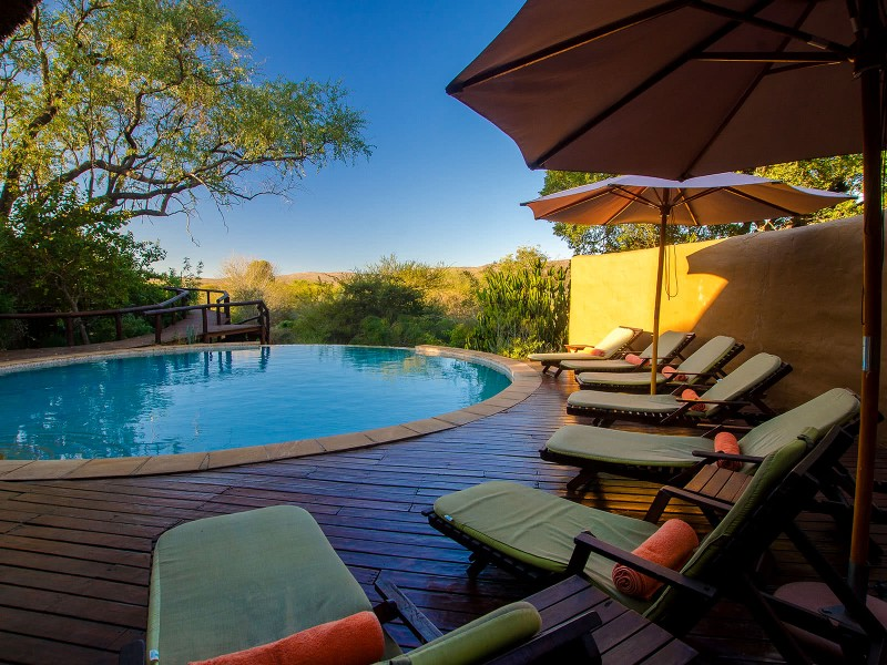 Shishingeni-Pool-lounge