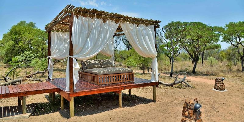 safari_plains_mabula_sala_deck