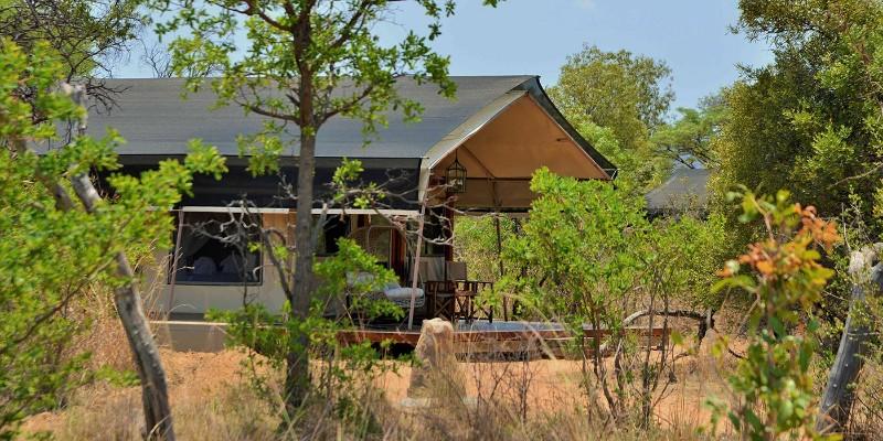 safari_plains_mabula_tent_exterior