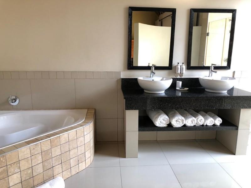 Impala-bathroom1