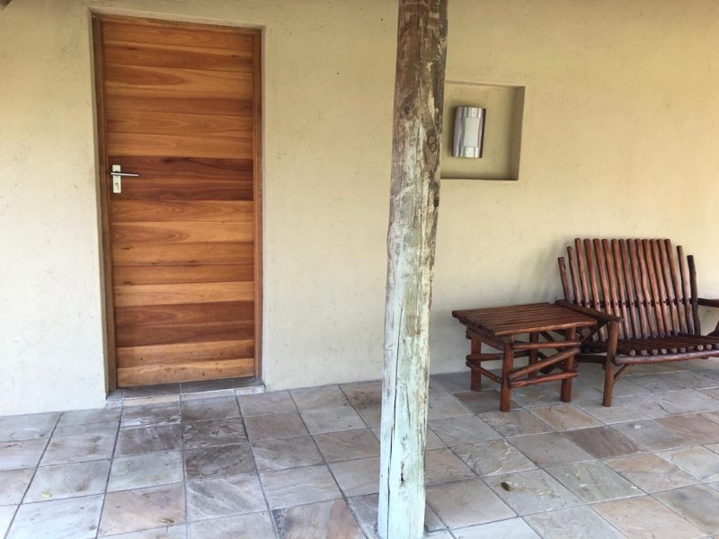 kwenga-exterior-front-entrance-of-standard-room