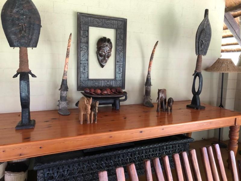 kwenga-lapa-bar-seating-area-decor